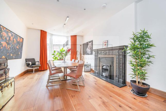 Thumbnail Flat for sale in Bickenhall Mansions, Marylebone
