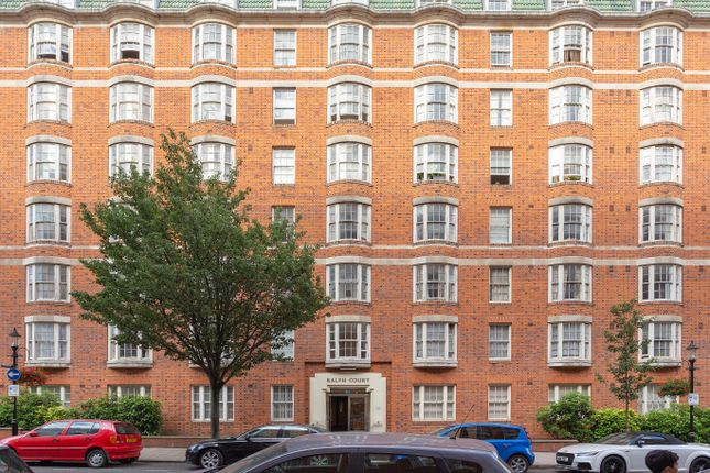 Flat in  Queensway  London Notting Hill