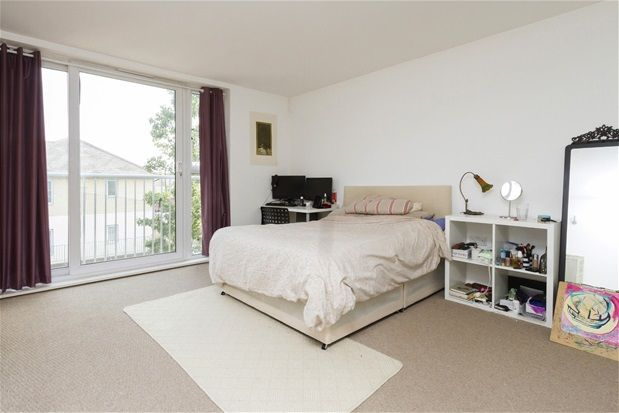 Thumbnail Flat to rent in Borland Road, London