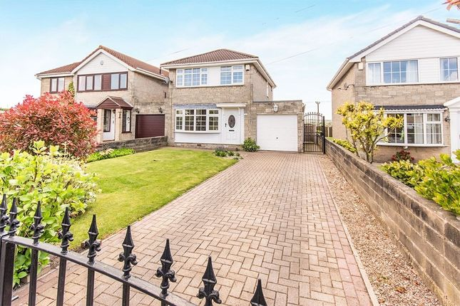 Thumbnail Detached house to rent in Hawthorn Grove, Rothwell, Leeds