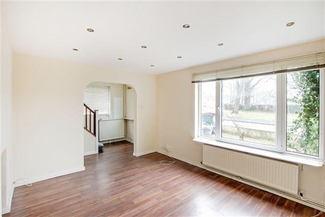 Thumbnail Semi-detached house to rent in Garrick Walk, Crawley