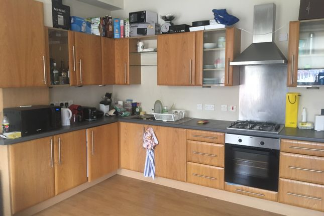 Thumbnail Shared accommodation to rent in Fulham Palace Road, London