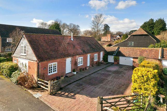 Thumbnail Cottage for sale in Watermans Lane, Paddock Wood, Tonbridge