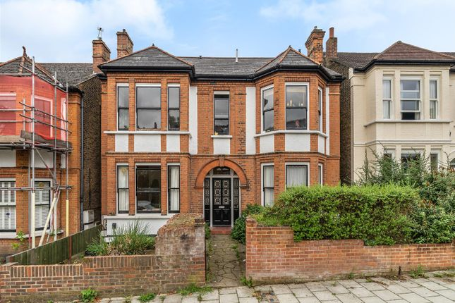 Thumbnail Flat to rent in Thornlaw Road, West Norwood