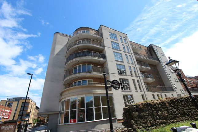 2 bed flat to rent in Lower Canal Walk, Southampton