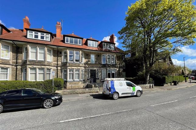 2 bed flat for sale in East Parade, Harrogate, North Yorkshire HG1