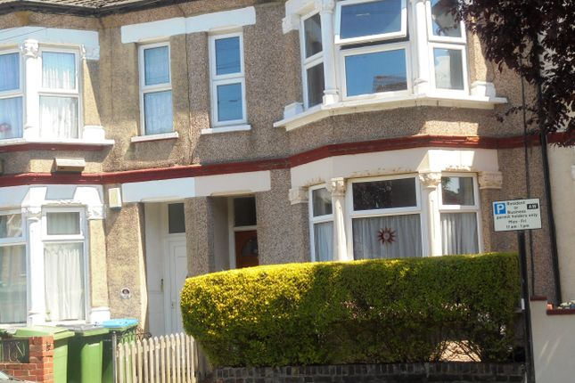 2 bed flat to rent in Abbey Terrace, Abbeywood
