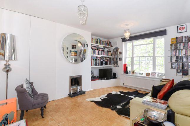 Thumbnail Flat for sale in Richmond Grove, London