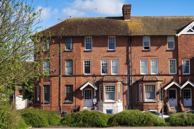 2 bed flat to rent in St. Michaels Square, Gloucester GL1