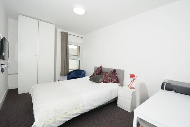 Room to rent in Belgrave House, Mutley Plain, Plymouth PL4