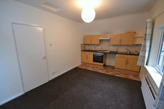 Thumbnail Flat to rent in Dyffryn, Goodwick