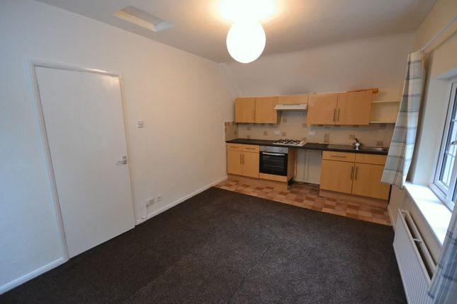 Thumbnail Flat to rent in Dyffryn, Goodwick