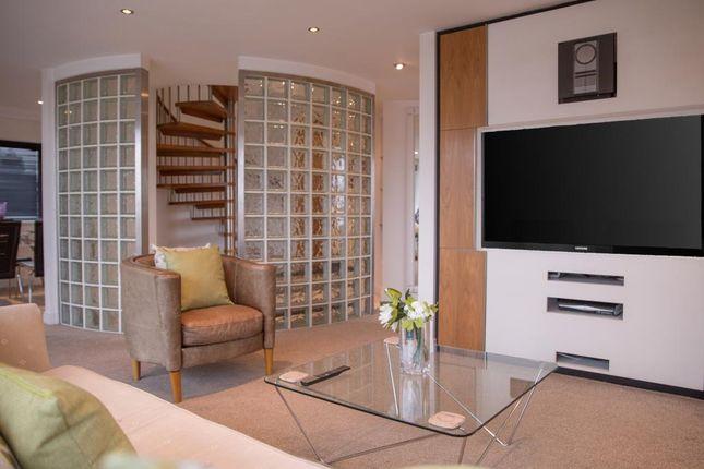 Thumbnail Flat to rent in Islington Gates, Fleet Street