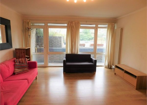 2 bed flat to rent in 22 Sutherland Road, West Ealing, London