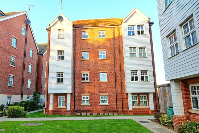 Thumbnail Flat for sale in Faraday Court, Bessemer Close, Basildon, Essex