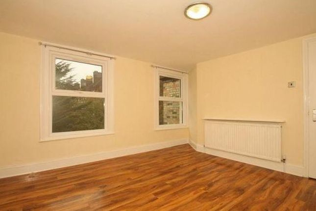Thumbnail Flat for sale in Kenninghall Road, London
