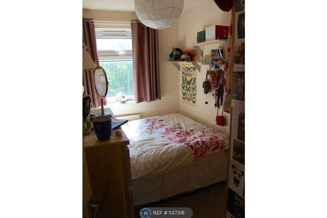 Room to rent in Scott Lidget Crescent, London SE16