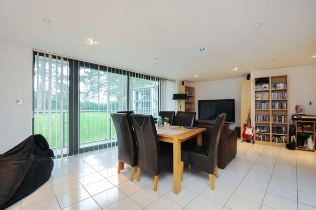 Thumbnail Flat to rent in The Crescent, Gloucester Road, Cheltenham