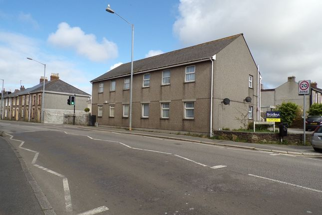 Thumbnail Flat to rent in Trevenson Court, Camborne