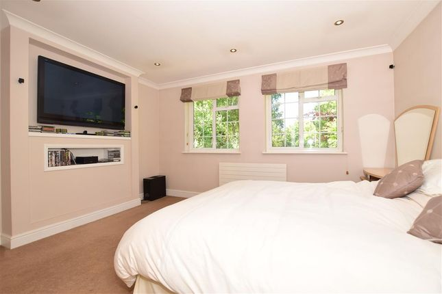 Bedroom 1 of High Street, Eynsford, Kent DA4