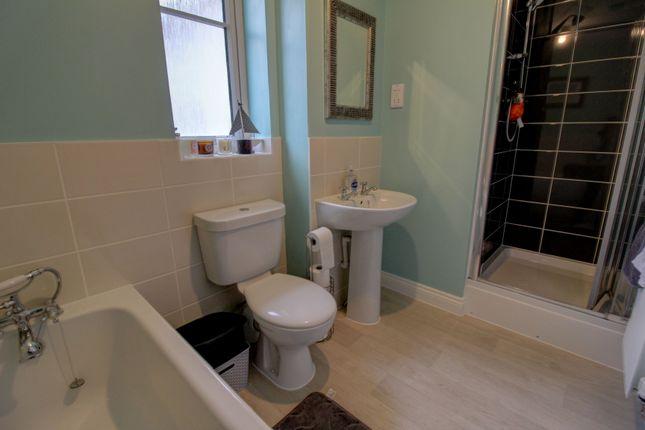 Bathroom of Leatherworks Way, Northampton NN3