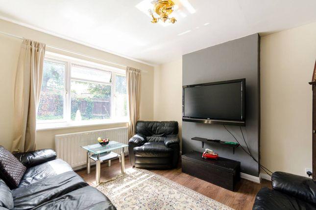 Thumbnail Bungalow for sale in Dovercourt Lane, Sutton