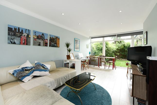Thumbnail Terraced bungalow for sale in Inglesham Walk, London