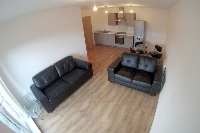 Thumbnail Flat to rent in Irwell Building, Lowry Wharf, Derwent Street