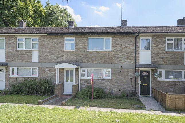 601962 (1) of Patten Ash Drive, Wokingham, Berkshire RG40