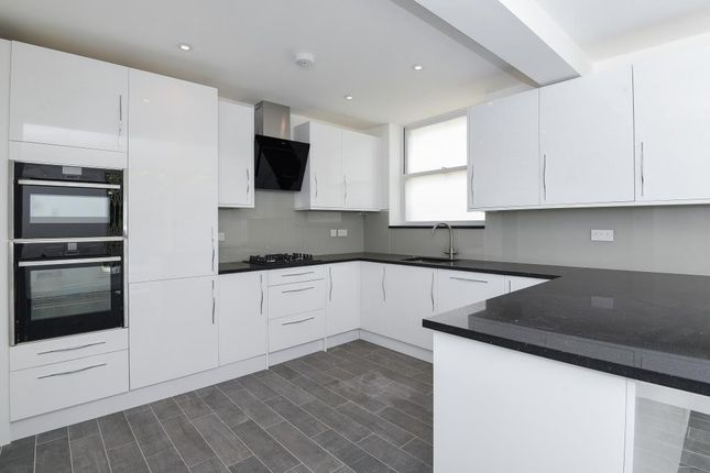 Thumbnail Town house to rent in Chester Close North, St John`S Wood