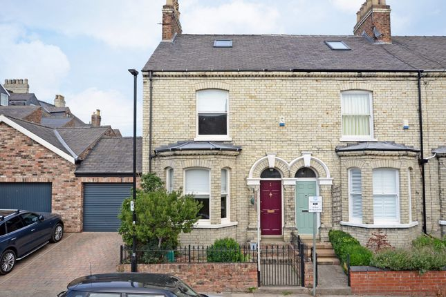 Terraced house to rent in Richardson Street, York
