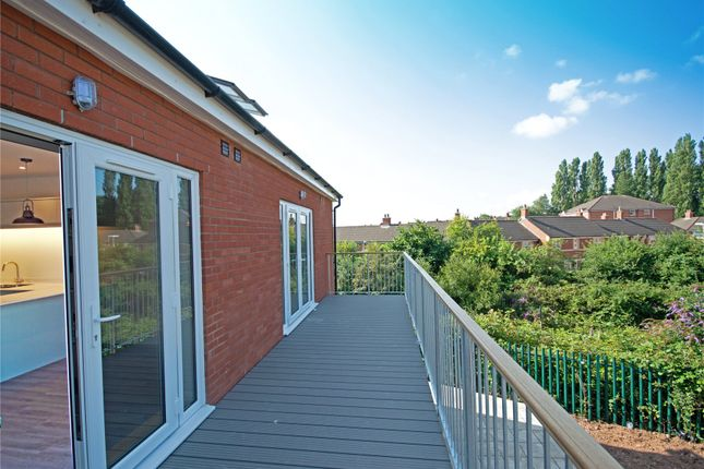 2 bed flat for sale in Chaucer Grove, Exeter EX4