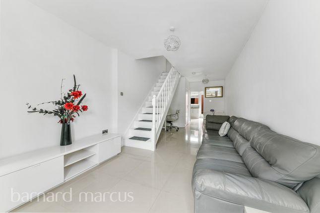Thumbnail Flat to rent in Overbury Crescent, New Addington, Croydon