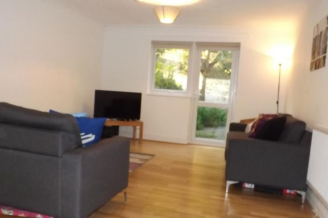 Thumbnail Flat to rent in Canterbury Place, London