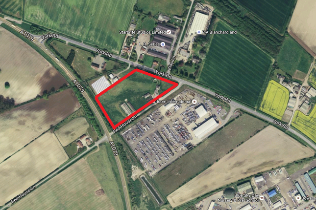 Thumbnail Land for sale in York Road, Market Weighton, York, Market Weighton
