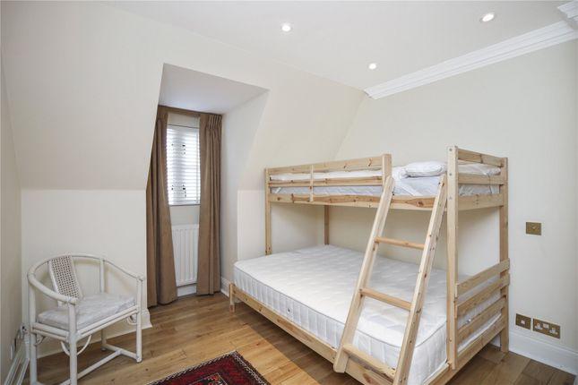 Picture No. 08 of Belvedere House, 130 Grosvenor Road, Pimlico, London SW1V