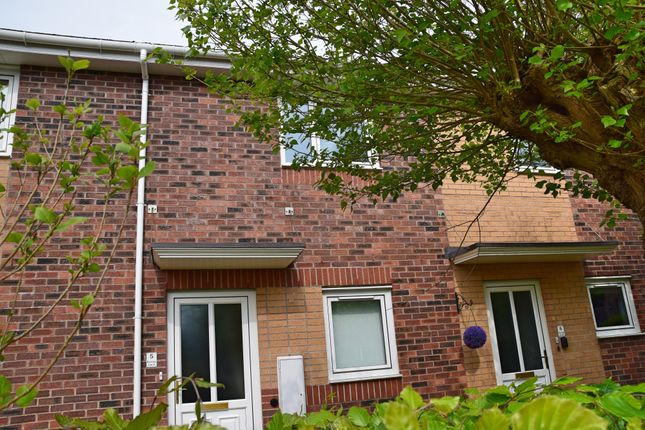 Thumbnail Flat to rent in Poplar Drive, Blurton, Stoke-On-Trent