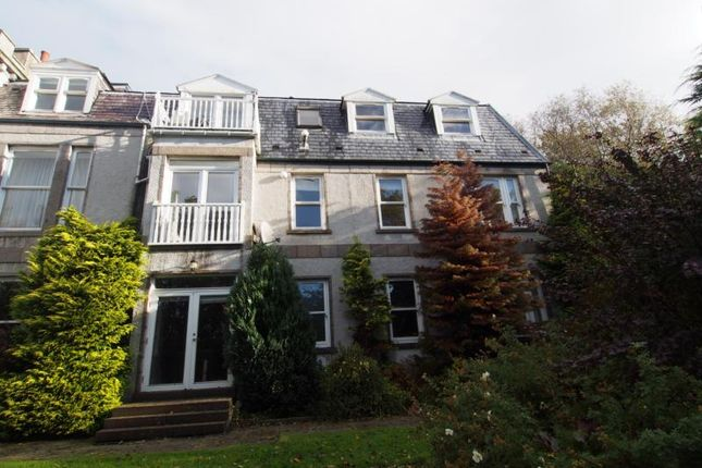 Thumbnail Flat to rent in Flat, Cliff House, Craigton Road