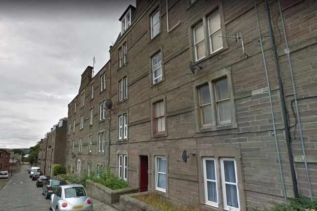 Thumbnail Flat to rent in Step Row, Dundee