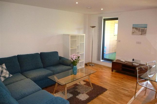 Thumbnail Flat to rent in Winkfield Road, Wood Green