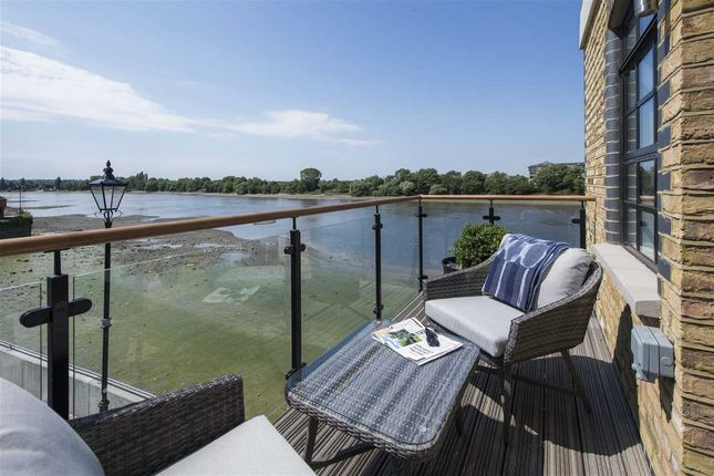 Thumbnail Flat to rent in Starboard Penthouse, Palace Wharf, Rainville Road, Hammersmith