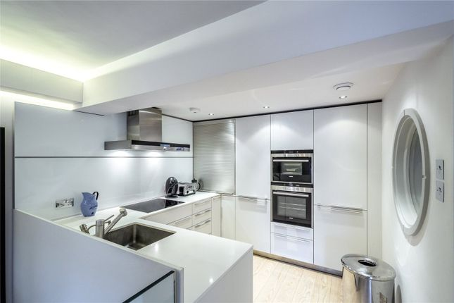 Picture 3 of Monkwell Square, London EC2Y