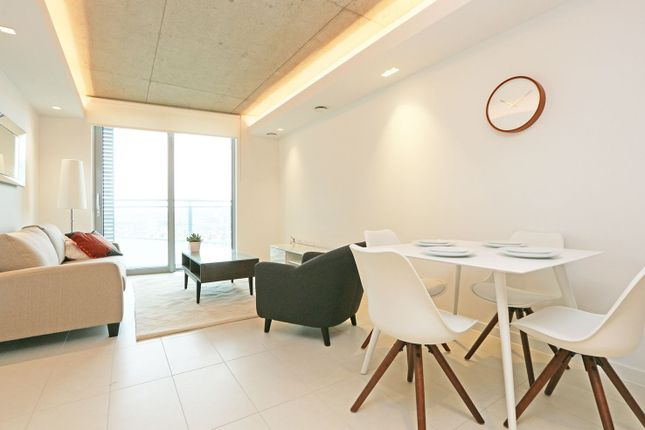 3 bed flat to rent in Tidal Basin Road, Royal Docks, London