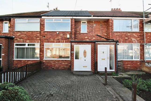 2 bed terraced house to rent in Welwyn Park Avenue, Hull HU6