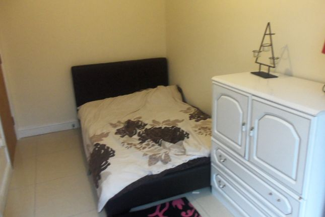 Thumbnail Shared accommodation to rent in Bashall Street, Bolton