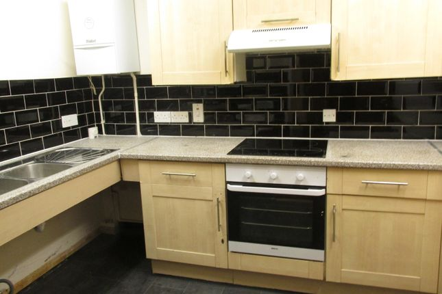 Thumbnail Flat to rent in Alnwick Road, London