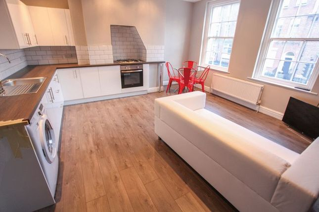5 bed property to rent in Clarence Street, Liverpool