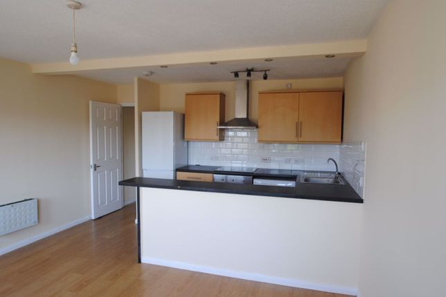 Thumbnail Flat to rent in Linden Grove, London