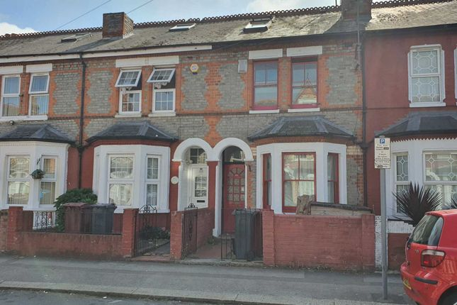 4 bed semi-detached house to rent in Radstock Road, Reading RG1