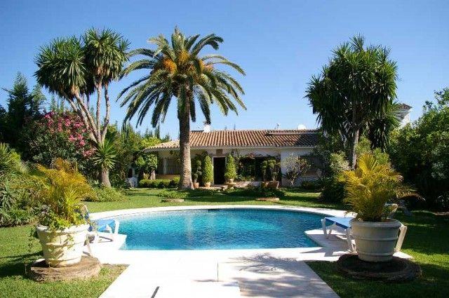 View Of Property of Spain, Málaga, Estepona, East Estepona